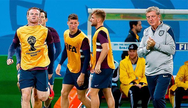 A principal dúvida do técnico Roy Hodgson é a permanência ou não de Wayne Rooney no time titular - Foto: Tony Gentile l Reuters