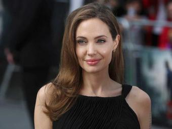 Jolie é a segunda celebridade a se manifestar contra o