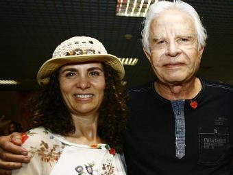 Cid chegou a Salvador com a esposa, Fátima Moreira - Foto: Margarida Neide | Ag. A TARDE