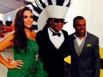 Brown posou ao lado de Ivete e Alexandre Pires antes da apresentação - Foto: Instagram | Reprodução