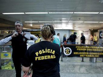 As barragens são devido ao envolvimento do estrangeiro com pedofilia e/ou violência em estádios - Foto: Adriano Vizoni   Folhapress