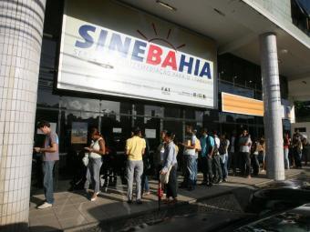 Candidatos devem ficar atentos à mudança no horário de funcionamento do SineBahia e postos SAC - Foto: Arestides Baptista | Ag. A TARDE