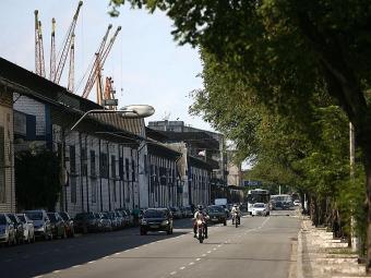 No comércio, a interdição será na Av. da França, na pista da esquerda, em frente ao Hospital Naval - Foto: Raul Spinassé  Ag. A TARDE