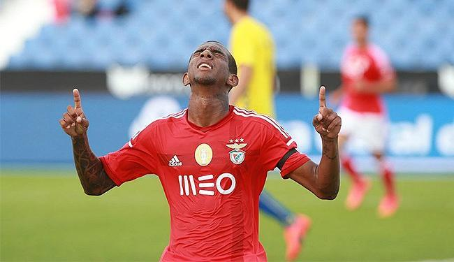 Talisca celebra o gol que colocou o Benfica na final da Taça da Honra - Foto: Isabel Cutileiro l SL Benfica