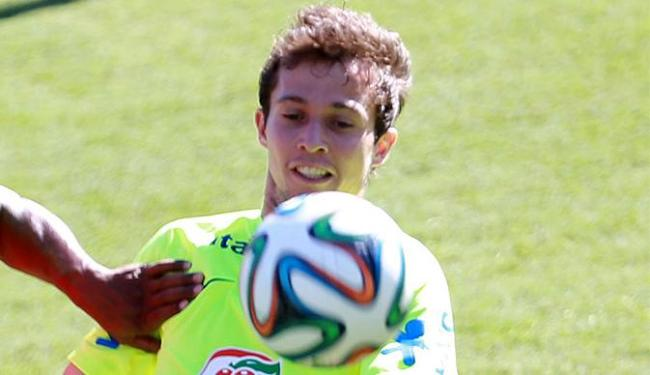 Bernard será o substituto de Neymar na semifinal - Foto: Jefferson Bernardes l VIPCOMM