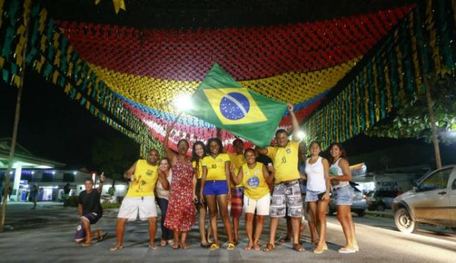 Torcedores publicaram 35 milhões de tweets na internet sobre a derrota do Brasil - Foto: Arnd Wiegmann   Ag.Reuters