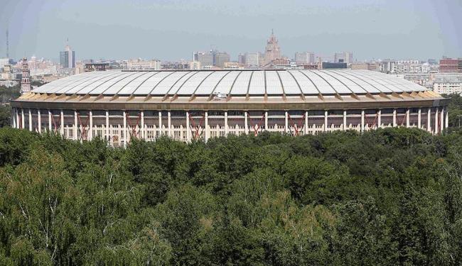O estádio Luzhniki, em Moscow, manterá a fachada na reforma - Foto: Sergei Karpukhin | Agência Reuters