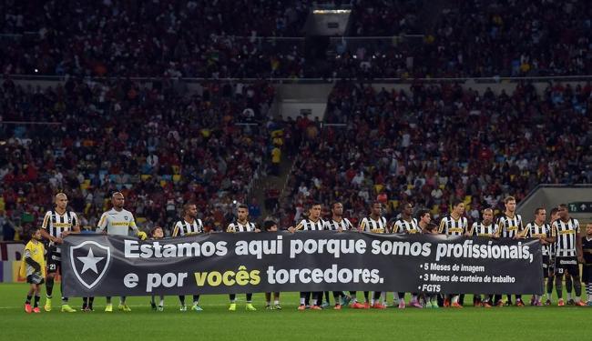 O protesto ocorreu na noite deste domingo, 27 - Foto: Bruno Turano | Agência Estado