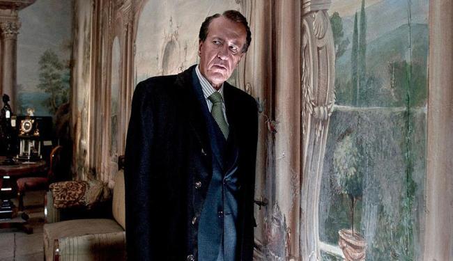 Geoffrey Rush vive um leiloeiro recluso no filme de Tornatore - Foto: Divulgação