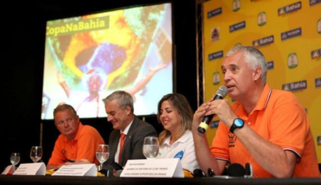Rob Polderman, membro da diretoria do Orange Club, divulga programação da festa Orange Square - Foto: Amanda Oliveira | Ascom GovBA