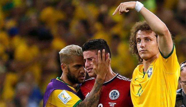 Craque colombiano (C) marcou de pênalti, mas não evitou a eliminação dos cafeteiros - Foto: Jorge Silva l Reuters