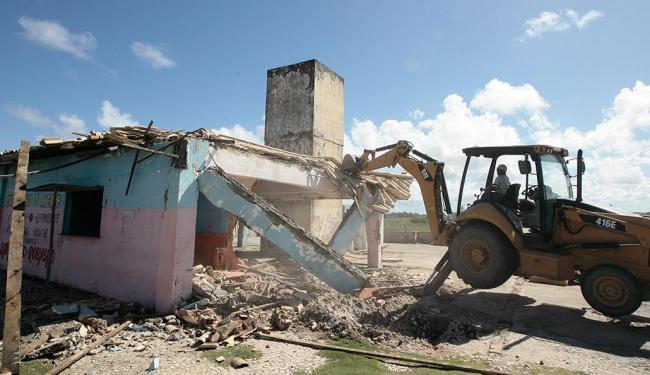 Área demolida era, inclusive, ocupada por pessoas sem-teto - Foto: Mila Cordeiro | Ag. A TARDE