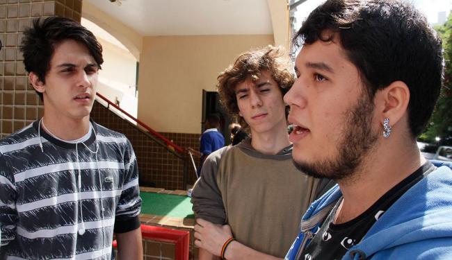 Luiz Felipe Fernandez (C) e Tuan Duberg (D) entendem que greve é 'mal necessário' - Foto: Joá Souza | Ag. A TARDE