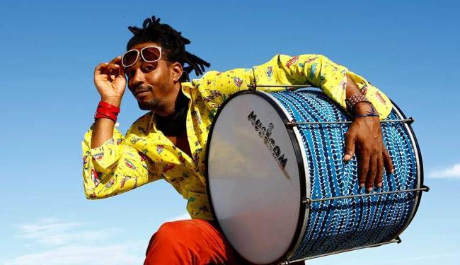 O percussionista Mamá Soares, fundador do Di Tambor - Foto: Fernando Vivas | Ag. A Tarde