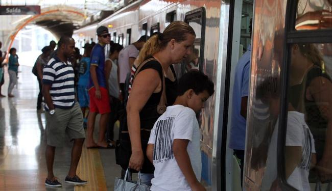 A média diária é de 4,8 mil usuários no 1º mês. No dia da inauguração, o metrô totalizou 4,2 mil - Foto: Lúcio Távora   Ag. A TARDE
