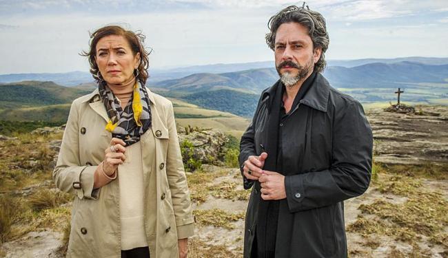 Lília Cabral e Alexandre Nero em cena de Império, que teve média de 32 pontos na Grande São Paulo - Foto: Alex Carvalho | TV Globo