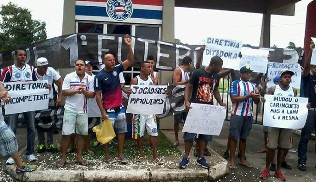 Torcedores reclamam da atual situação da equipe no Brasileirão - Foto: Vitor Villar | Ag. A TARDE