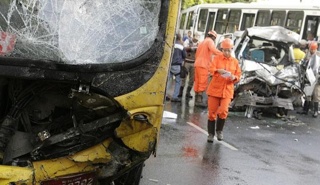 Equipe do Salvar prestou atendimento aos feridos - Foto: Marco Aurélio Martins | Ag. A TARDE