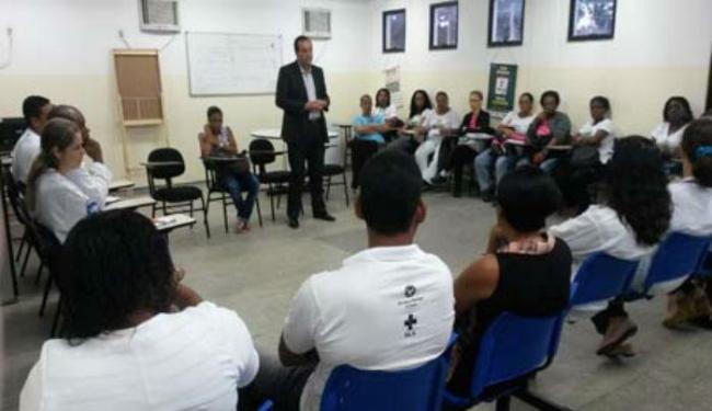 O secretário municipal de saúde esteve na unidade para anunciar as novas medidas de segurança - Foto: Divulgação   Ascom Prefeitura