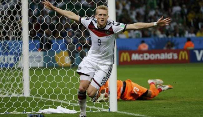 Schuerrle comemora gol contra a Argélia durante a prorrogação nas oitavas de final da Copa - Foto: Edgard Garrido | Ag. Reuters