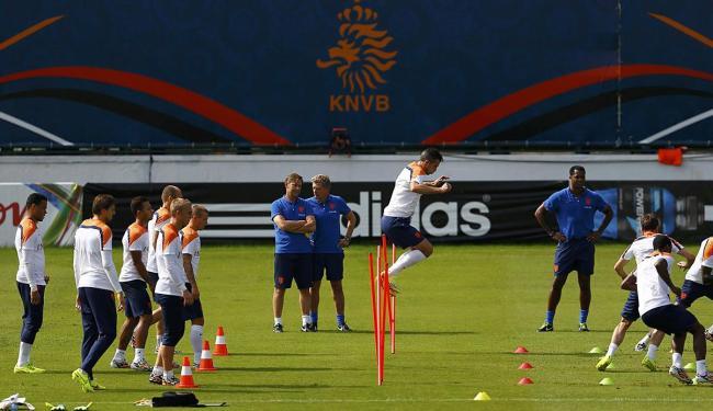 O último treino da Holanda no Rio foi marcado por trabalhos físicos - Foto: Agência Reuters
