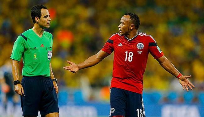 No decorrer dos próximos dias, a Fifa divulgará se o Zúñiga (à dir.) será suspenso - Foto: Marcelo Del Pozo l Reuters
