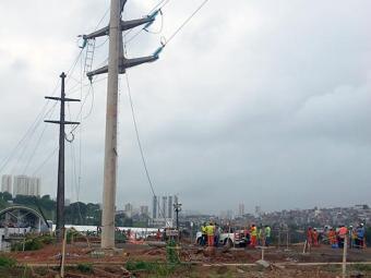 Funcionário caiu de poste na quarta-feira, 6. - Foto: Reprodução | Sintepav-Ba