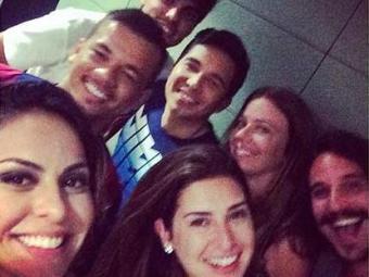 Alinne Rosa postou foto com os amigos de Neymar - Foto: Reprodução | Instagram