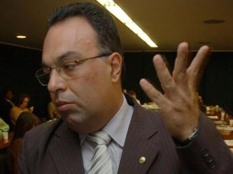 André Vargas está sob investigação e corre o risco de perder o mandado de deputado - Foto: Fabio Pozzebom/ABr