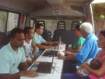 Unidade móvel atende moradores do bairro do Lobato e entorno nesta sexta-feira, 15 - Foto: MIRIAM HERMES| Ag. A TARDE
