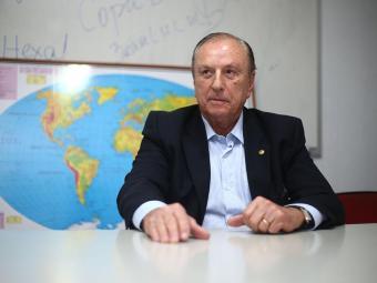 Eymael é favorável à extinção de limite para dedução de despesas com educação - Foto: Raul Spinassé | Ag. A TARDE