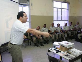 Os futuros bombeiros e policiais militares irão passar pelo Curso de Formação de Soldados (CFS) - Foto: Eduardo Martins | Ag. A TARDE
