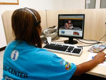 São oferecidas 600 vagas para operador de telemarketing - Foto: Claudionor Junior   Ag. A TARDE