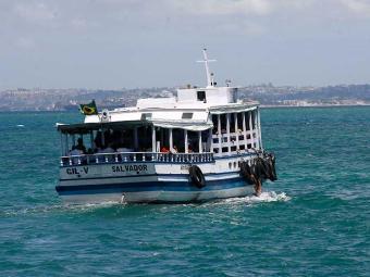 Embarcações realizam a travessia a cada 30 minutos - Foto: Fernando Amorim   Ag. A TARDE