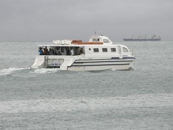 Oito embarcações operam normalmente e cumprem horários de saída de 30 em 30 minutos - Foto: Gildo Lima   Arquivo   Ag. A TARDE