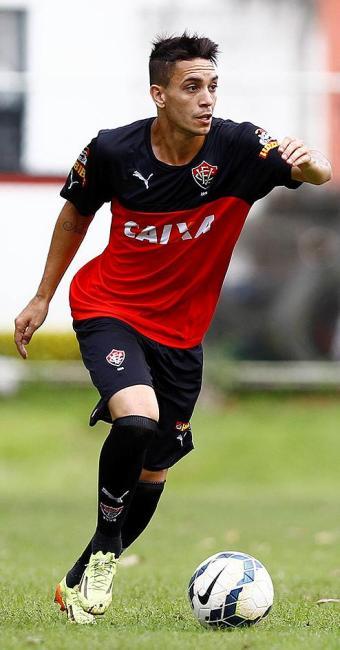Atacante foi o autor dois gols do triunfo sobre o Grêmio - Foto: Eduardo Martins | Ag. A TARDE
