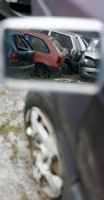 Nos Barris, carros no entorno do Complexo Policial deixam moradores amedrontados - Foto: Raul Spinassé   Ag. A TARDE