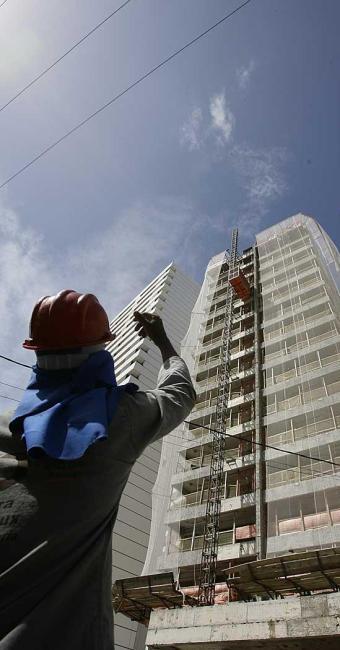Redução será de 60% no valor da chamada outorga onerosa na construção civil - Foto: Marco Aurélio Martins   Ag. A TARDE