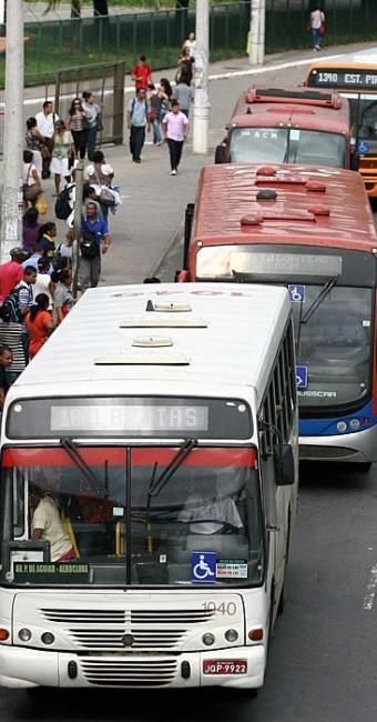 Pedido de suspensão da licitação de linhas está sendo estudado por promotoria - Foto: Joá Souza | Ag. A TARDE