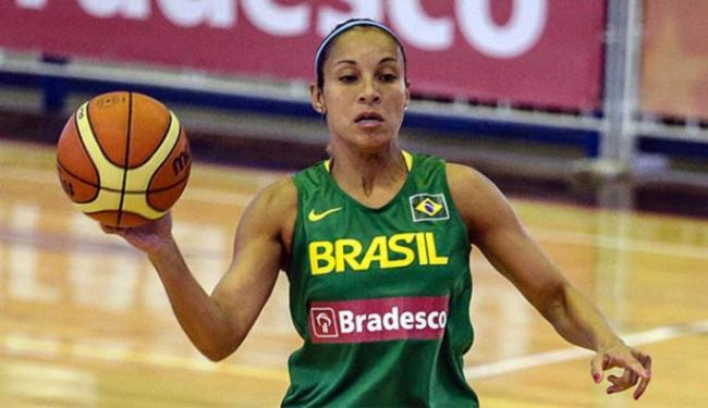 A armadora Adrianinha reforça o Brasil para a disputa de torneios na Europa - Foto: Gaspar Nóbrega l Inovafoto
