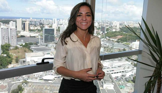 A dentista Ana Paula Marques aluga um escritório virtual no 33º andar - Foto: Luciano da Matta | Ag. A TARDE