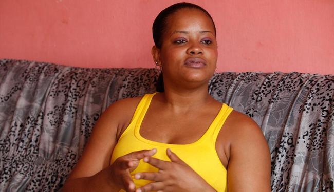 Juliana teme, inclusive, sofrer eventuais agressões na rua - Foto: Edilson Lima | Ag. A TARDE