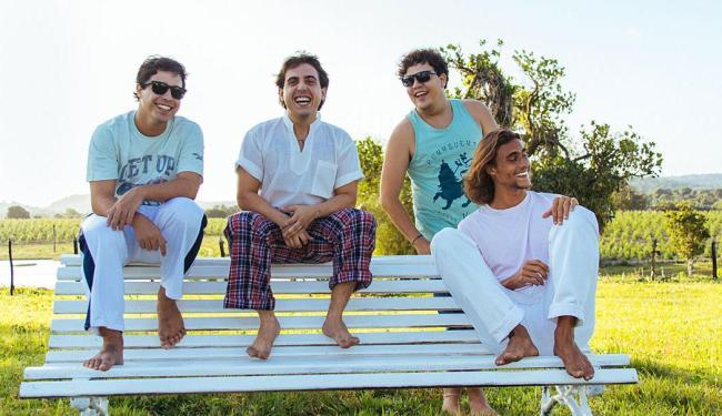 Em clima de descontração, membros da banda MUV se preparam para o lançamento do DVD Bote - Foto: Alisson Pinheiro   Divulgação