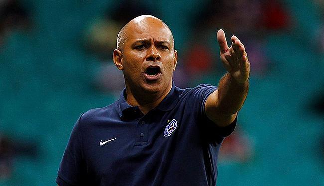 Boa parte dos tricolores aprova a efetivação de Charles como técnico, mas diretoria quer Kleina - Foto: Eduardo Martins | Ag. A TARDE