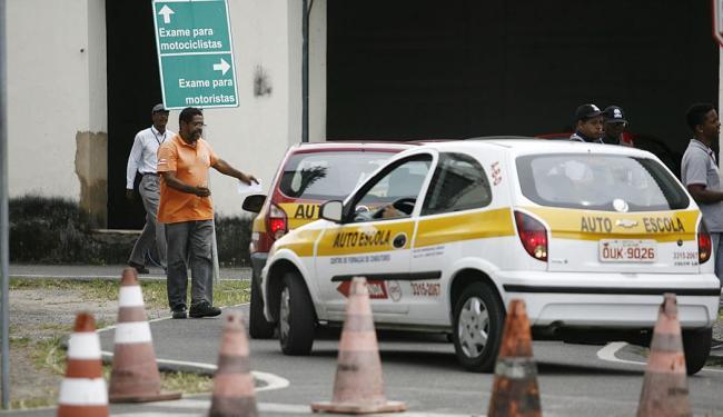 Os testes de baliza estão na lista dos que mais reprovam os candidatos a motorista - Foto: Raul Spinassé | Ag. A TARDE