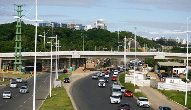 Com a inauguração desta segunda, 18, o Complexo Viário do Imbuí passa a ter dois viadutos - Foto: Joá Souza | Ag. A TARDE