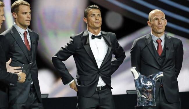 Neuer (E) Cristiano Ronaldo (C) e Robben disputaram o prêmio de melhor jogador da Europa - Foto: Eric Gaillard | Ag. Reuters