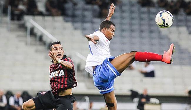 Em jogo fraco tecnicamente, tricolor consegue um pontinho fora de casa - Foto: Joka Madruga l Futura Press l Folhapress)