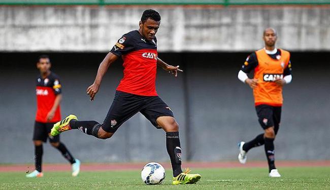 Ednei treinou entre os titulares e deve começar jogando contra o Sport - Foto: Eduardo Martins   Ag. A TARDE
