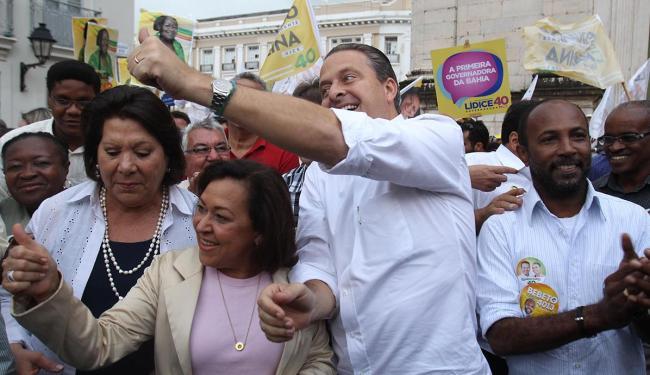 Campos fez campanha de rua ao lado de Lídice da Mata e Eliana Calmon - Foto: Lúcio Távora | Ag. A TARDE